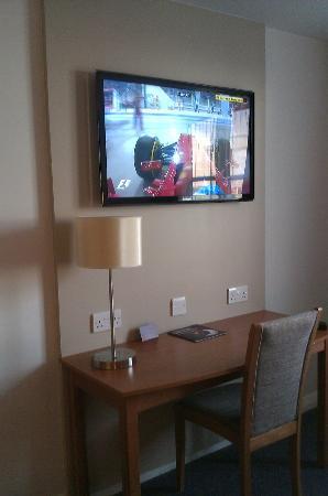 Premier Inn Grimsby Hotel: nice tv in room