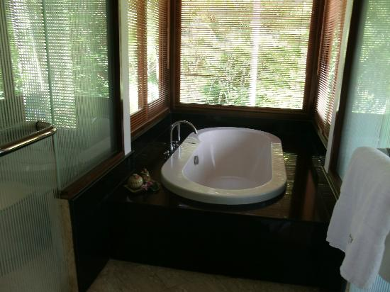 Ayara Hilltops Resort and Spa: Bath alcove