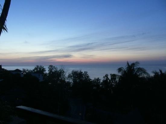 Ayara Hilltops Resort and Spa : Sunset