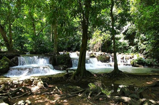 Ao Luek, Thailand: Than Bok Khorani National Park