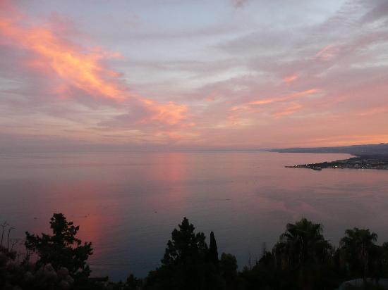 Hotel Villa Belvedere: Fabulous sunset from our room