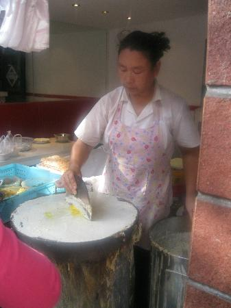 UnTour Shanghai Food Tours: Un Tour Shanghai breakfast street food tour