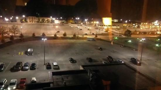 DoubleTree by Hilton Hotel Pittsburgh - Monroeville Convention Center : Night time view