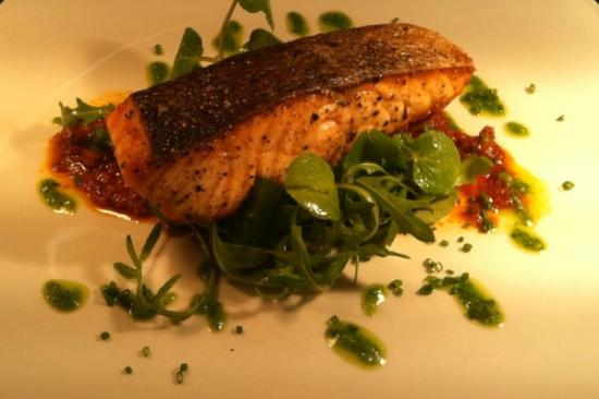 The King's Head Hotel: Fresh salmon