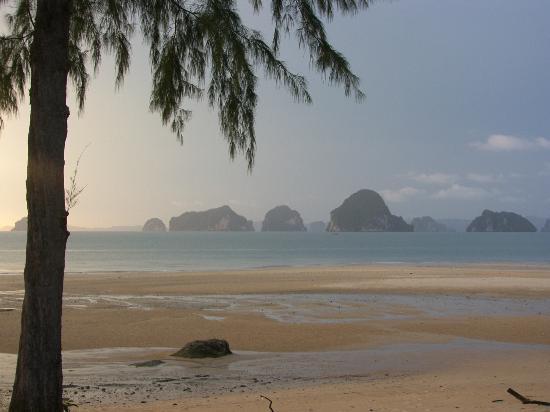 Anyavee Tubkaek Beach Resort: Beach
