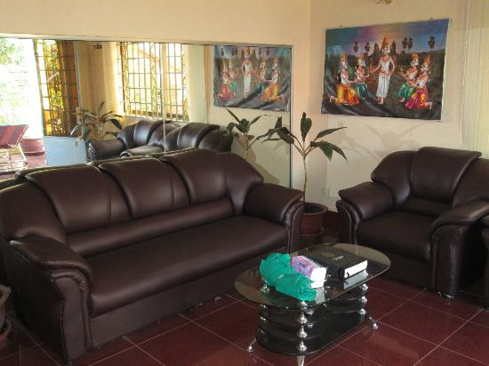 Watery Fowls Guesthouse : Indoor lounge
