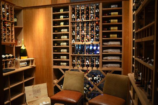 Copper Rock Steakhouse: 450 wines available by the bottle and glass