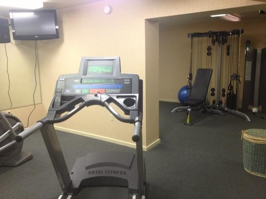 Nichols Village Hotel & Spa: fitness center