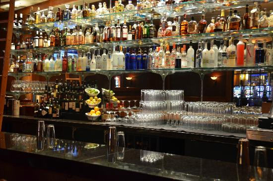 Copper Rock Steakhouse: Fully-stocked bar for your favorite cocktails