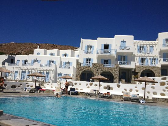 Manoulas Mykonos Beach Resort: view from the pool