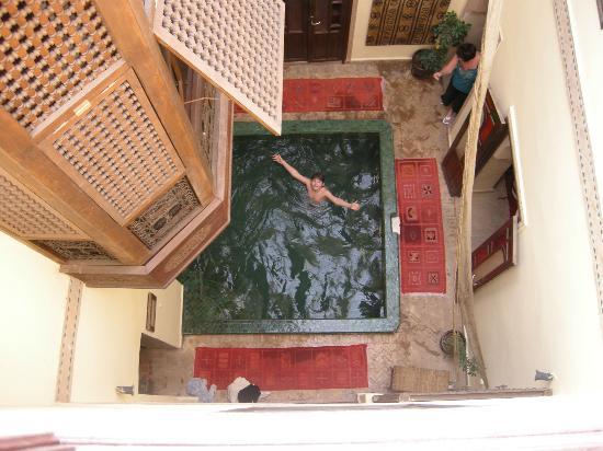 Les Jardins de Mouassine : Hammam plunge pool