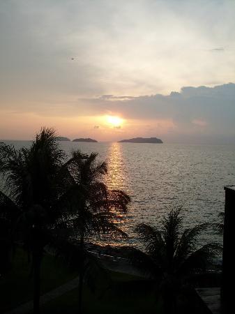 Sutera Harbour Resort (The Pacific Sutera & The Magellan Sutera): закат 