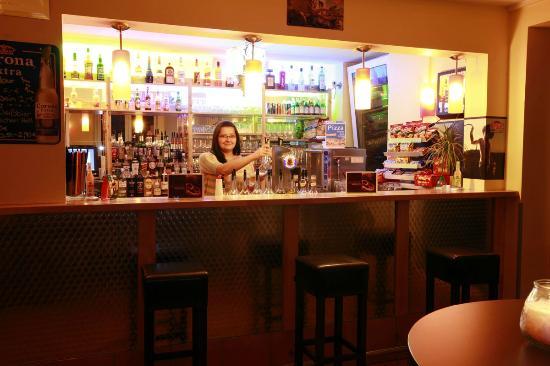 A&O Munich Hackerbruecke: bar
