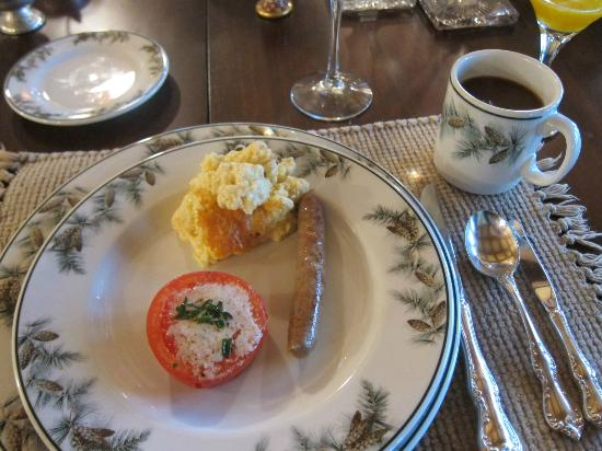 Pine Grove Bed & Breakfast: Delicious Breakfast!