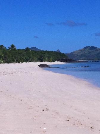 Blue Lagoon Beach Resort: Blue skies and the beach 