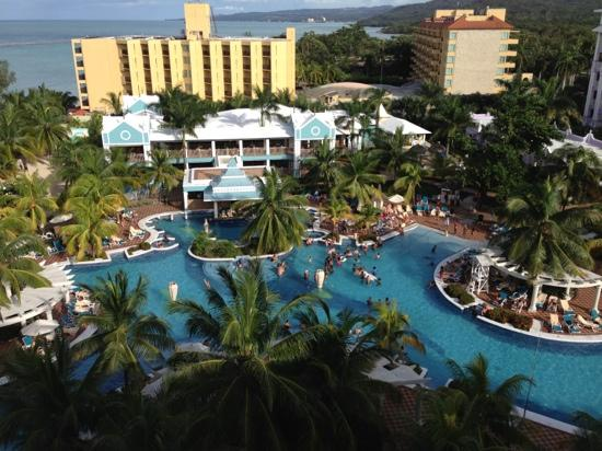 Hotel Riu Ocho Rios: view from our balcony