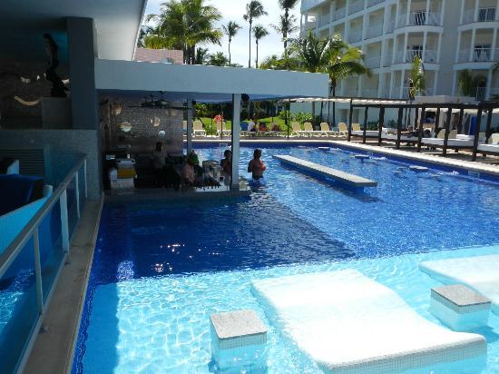 Hotel Riu Palace Macao: piscine