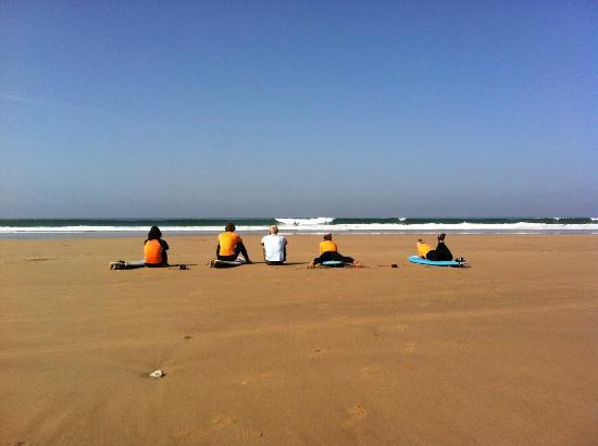 Surf Town Morocco : без разбора теории в воду никого не пустят!