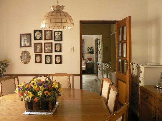 Bongela Bed and Breakfast: Dinning Area