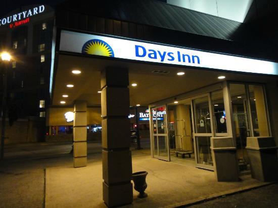 Days Inn - Niagara Falls Near the Falls: clean and neat