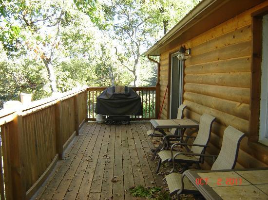 Kirbyville, Missouri: back deck overlooking lake and dock 