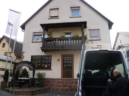 Vorderansicht Hotel Rosenbusch