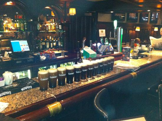 The Grand Hotel Tralee: Excellent Bar Service from Richard