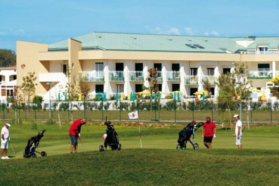 Hotel Maregolf : Vista dal campo da golf
