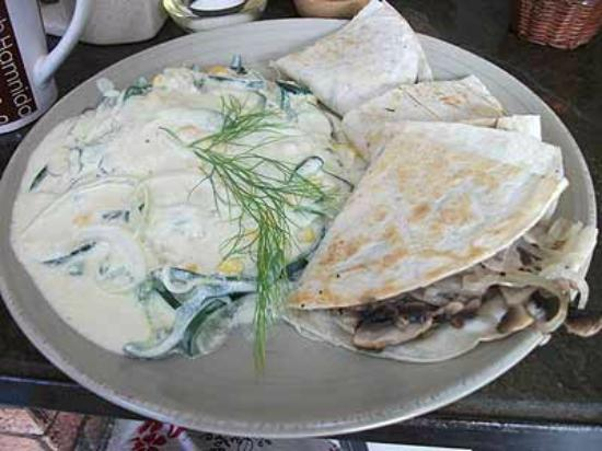 Mi Cafe: Fabulous rajas on crema with mushroom onion quesadillas!