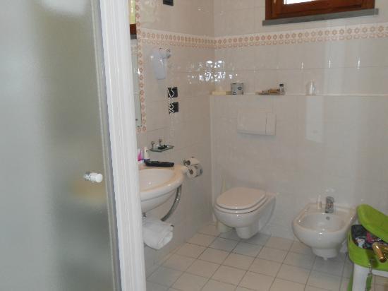Hotel Sovestro: bagno