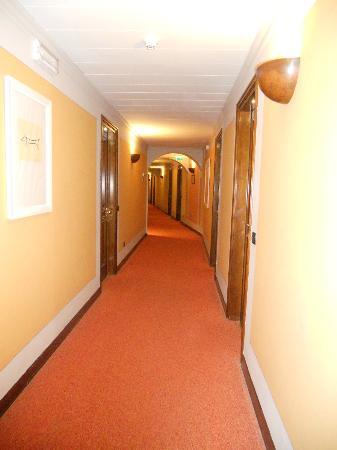 Hotel Sovestro: corridoio