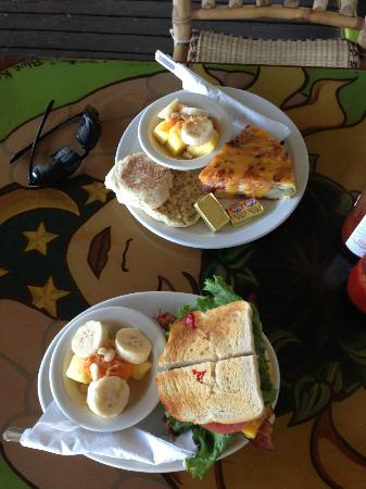 Hanalei Coffee Roasters: Our meal - fritatta and the BLT
