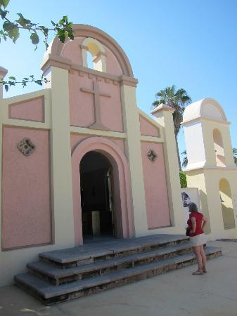 Iglesia de San Lucas: 20th century rebuild of mission style church