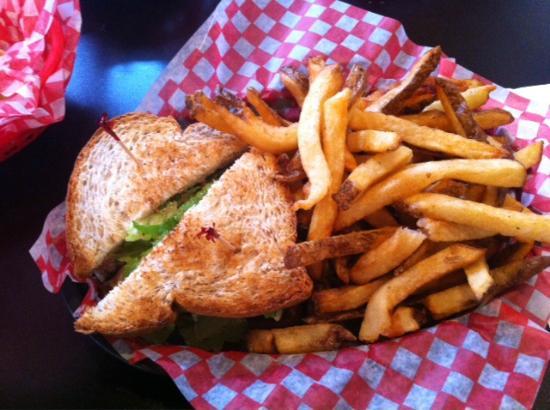 Deja Vu Cafe : Chichen Salad Sandwich with fries
