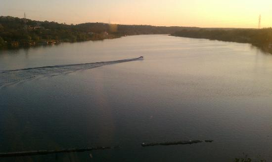 Hampton Inn Marble Falls-On The Lake: Sunset view from my room