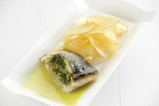 La Taberna De Rotilio: Lubina rellena de espinacas y frutos de mar