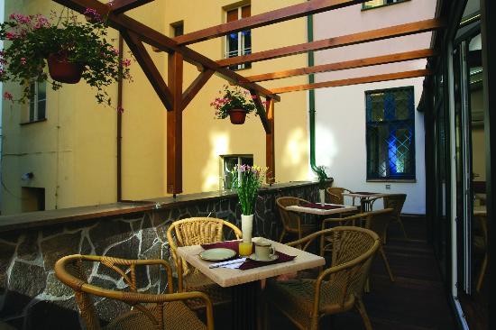 Anna Hotel: Terrace