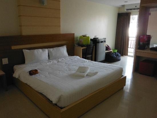 Amnauysuk Hotel: Bedroom