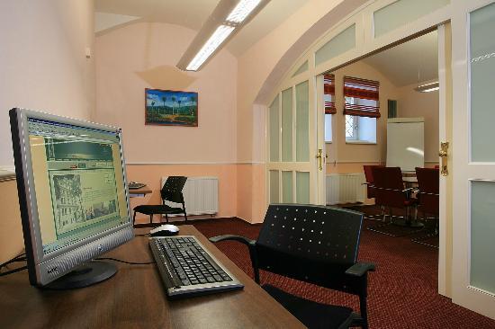 Anna Hotel: Internet corner