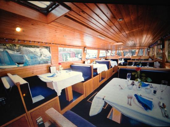 Hoghton, UK: Romance Restaurant & Trip Boat Interior