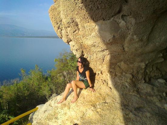 Lake Enriquillo (Lago Enriquillo): вид сверху из пещеры