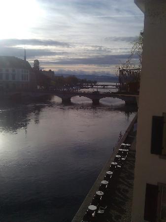 Storchen Zurich: Aussicht auf Fussgängerzone