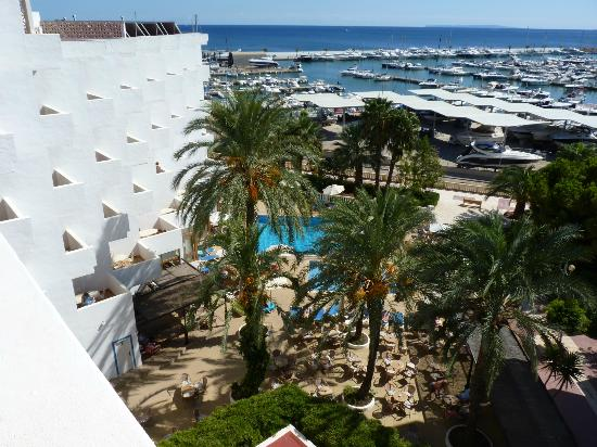Hotel Tres Torres : View from the room