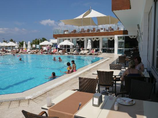 Gokce Club Armonia : one of the 3 swimmingpools