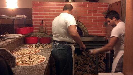 Pizzeria La Pendola: Il pizzaioli