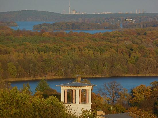 Belvedere auf dem Pfingstberg : The view from the Belvedere over the Wannsee and forest to Berlin