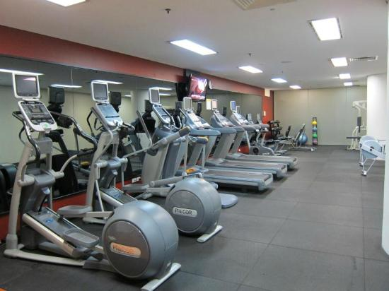 Hilton Brisbane: Great selection of aerobic workout machines