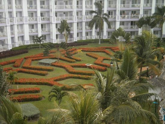 Hotel Riu Ocho Rios: View from our room of some of the Gardens