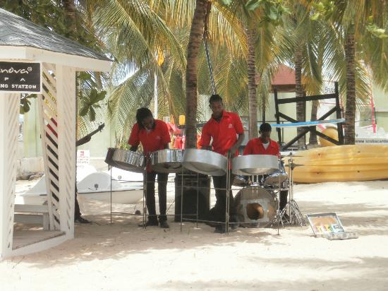 ClubHotel Riu Ocho Rios: Steel Drum Band on the Beach