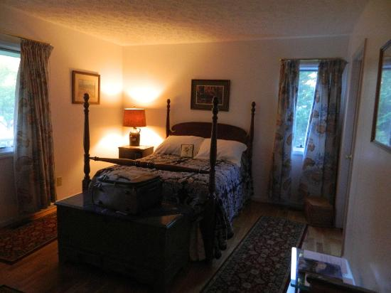 Lawsonville, NC: This is the lovely room we stayed in.